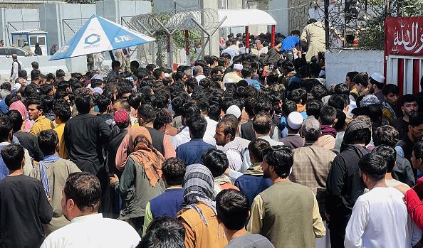Peste 100.000 de oameni ar trebui scoși din Afganistan până în 31 august. Summit G7 pe această temă