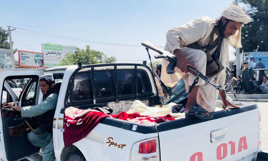 """Afganistanul se pregătește să intre în era sclavagismului pentru femei. Pe străzi, talibanii strigă """"Moarte Americii!"""""""