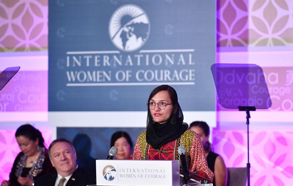 """O femeie primar din Afganistan așteaptă ca talibanii să vină și să o omoare. """"Nu este nimeni care să mă poată ajuta"""""""