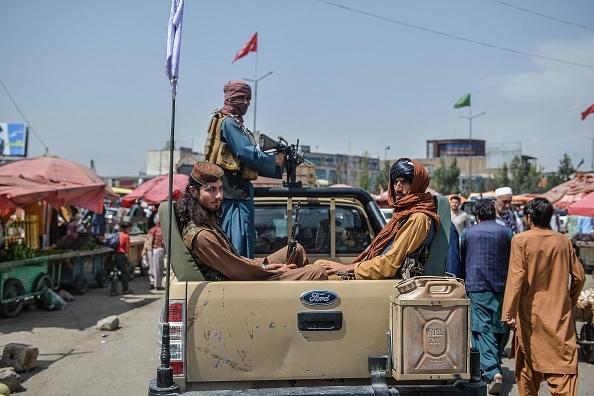 Cum s-a transformat peste noapte Kabulul după ce a fost cucerit de talibani. GALERIE FOTO