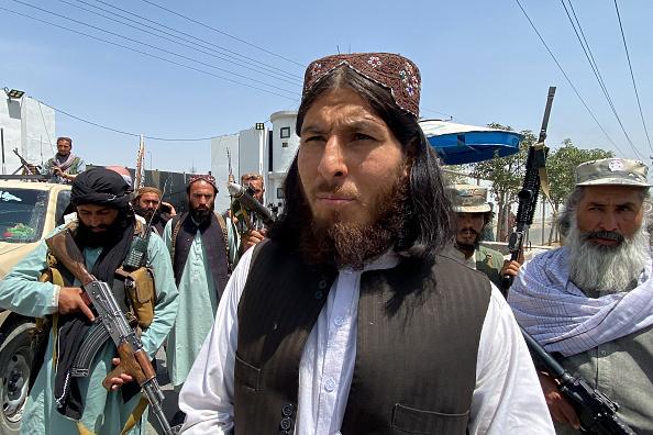 Ce planuri au talibanii cu femeile din Afganistan. În fostul regim fundamentalist nu aveau voie să iasă din case neînsoțite