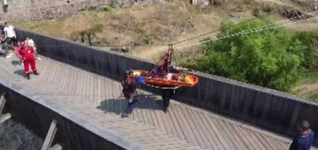 VIDEO. Castelul Corvinilor, decor pentru un exercițiu în premieră al pompierilor militari