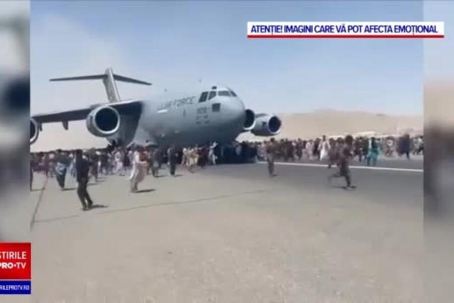 Haos la Kabul. Un cadavru a fost găsit în trenul de aterizare al unui C-17 american
