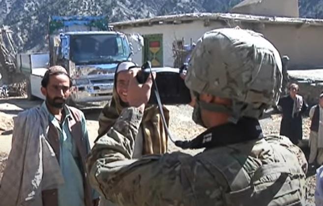 Talibanii au confiscat echipament militar american capabil să-i identifice pe cei care au colaborat cu forțele rivale