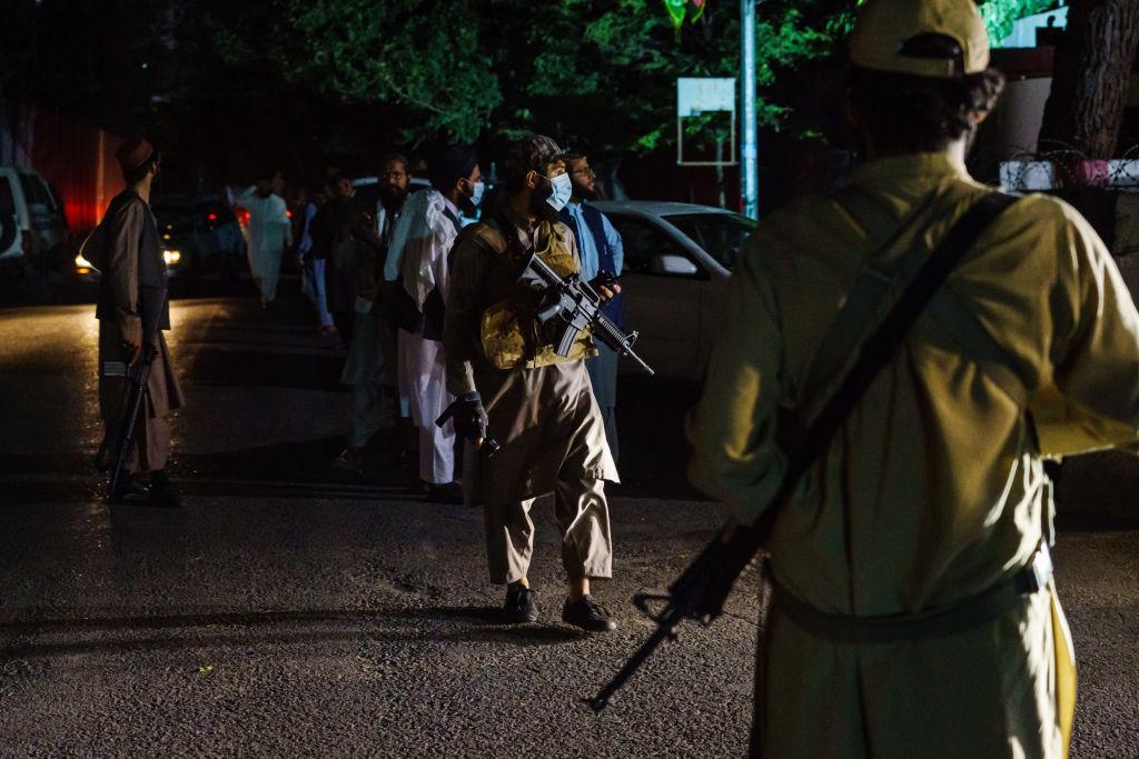 """Confesiunea unui afgan care scăpat de trei ori de răzbunarea talibanilor: """"Dacă mă duc la magazin, mă vor prinde"""""""