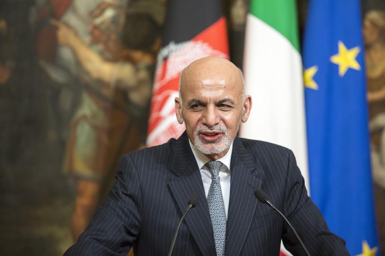Preşedintele afgan Ashraf Ghani şi familia s-au refugiat în Emiratele Arabe Unite