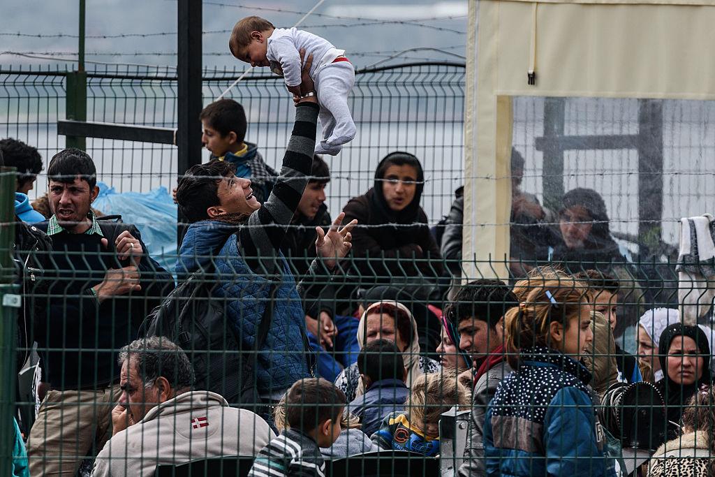 Grecia anunţă că forţele de la frontieră sunt în alertă pentru evitarea repetării crizei migranţilor din 2015