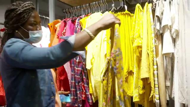 Marile lanțuri de magazine din Germania au început să vândă îmbrăcăminte second-hand