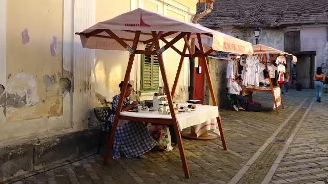 Festival cu vinuri și produse tradiționale în zona veche a Bistriței, pentru promovarea pasajelor renovate