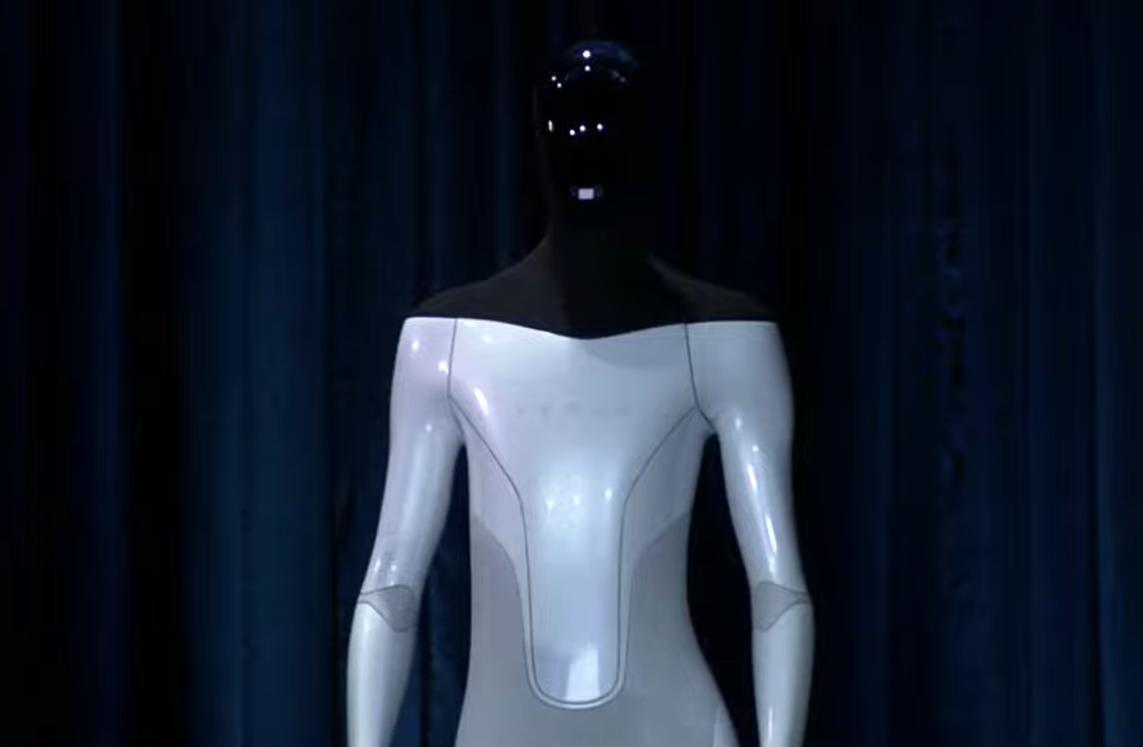 Elon Musk a anunțat că Tesla va construi un robot umanoid. Ce îi îngrijorează pe oameni