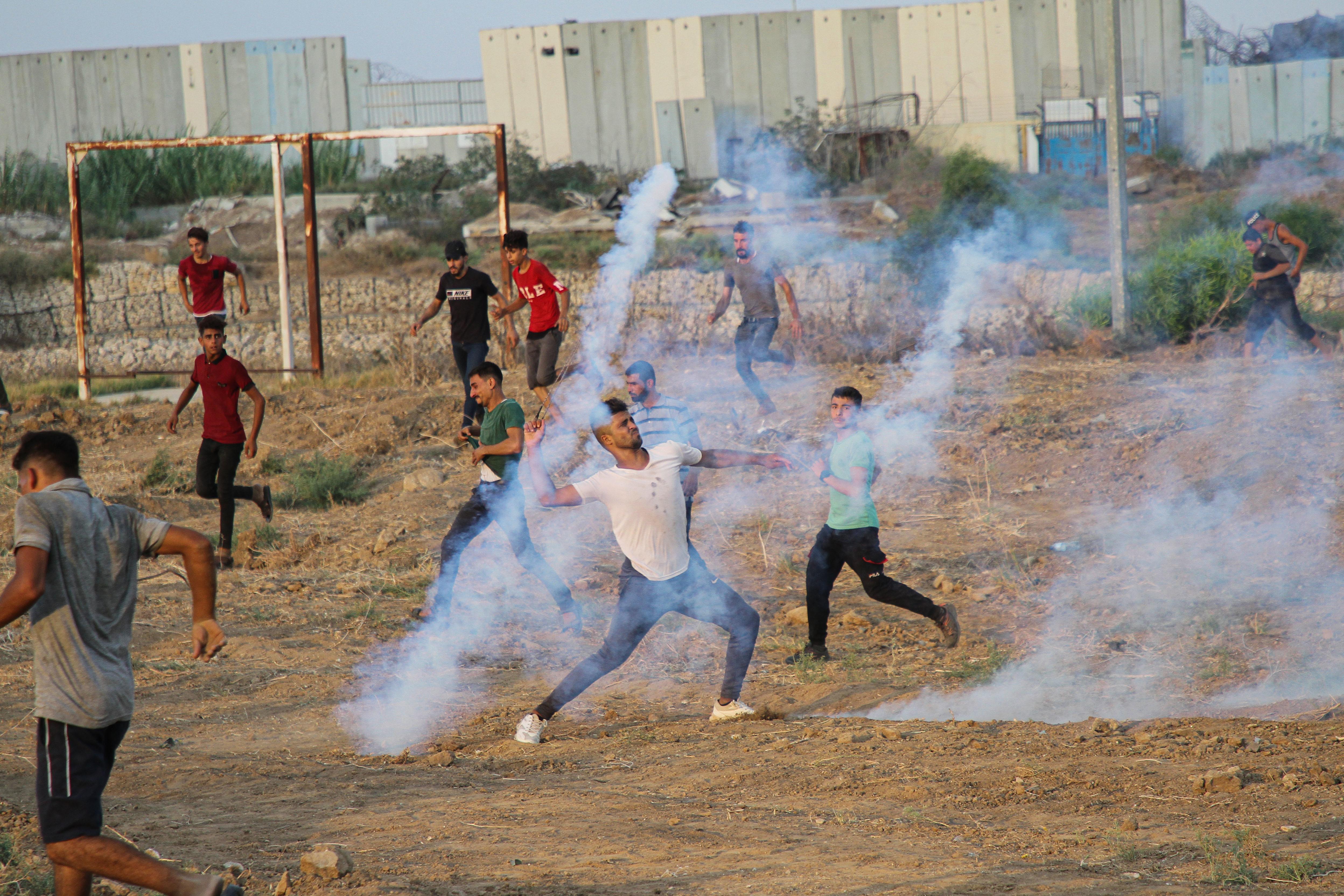 Israelul a atacat Fâșia Gaza cu avioane. Un băiat de 13 ani a fost împușcat în cap