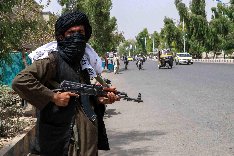 Afganii se mobilizează în nordul țării. Rezistența anti-talibană a cucerit trei districte