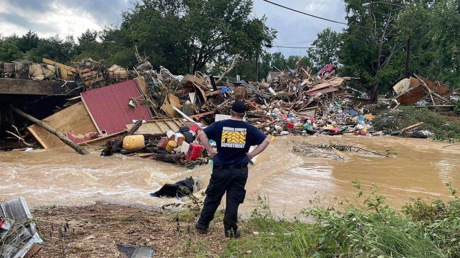 Inundaţii puternice în statul Tennessee. Bilanţul indică cel puţin 21 morţi şi zeci de dispăruţi
