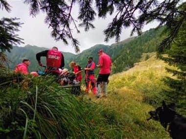 Zeci de salvamontiști au căutat trei zile un turist rătăcit. Unde era, de fapt, bărbatul