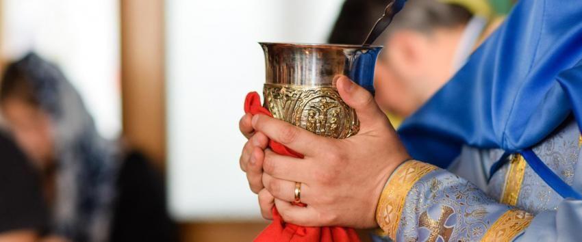 Un preot din Constanța prins beat la volan a dat vina pe vinul de împărtășanie