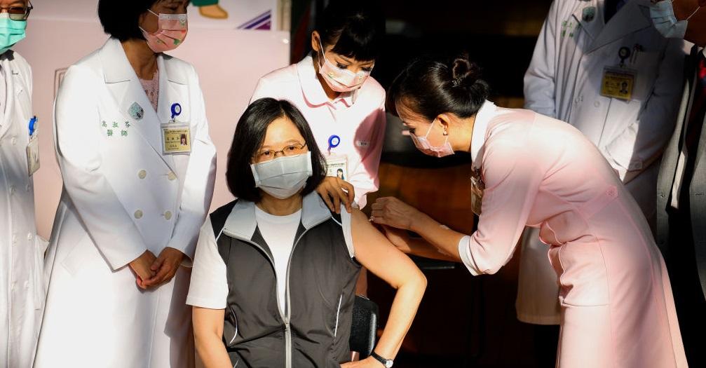 Președinta Taiwanului a fost vaccinată anti-COVID-19 cu un ser produs pe plan intern