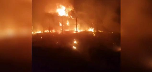 Incendiu puternic în județul Olt. Trei gospodării au fost mistuite de flăcări