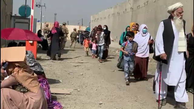 Joe Biden, presat să extindă termenul limită pentru evacuările din Afganistan