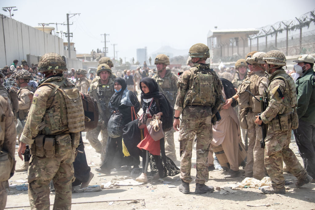 Talibanii le cer femeilor să rămână în case.