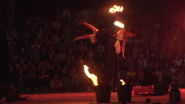 Festivalul Internațional de Teatru de la Sibiu continuă. Orașul pare gazda unui imens carnaval