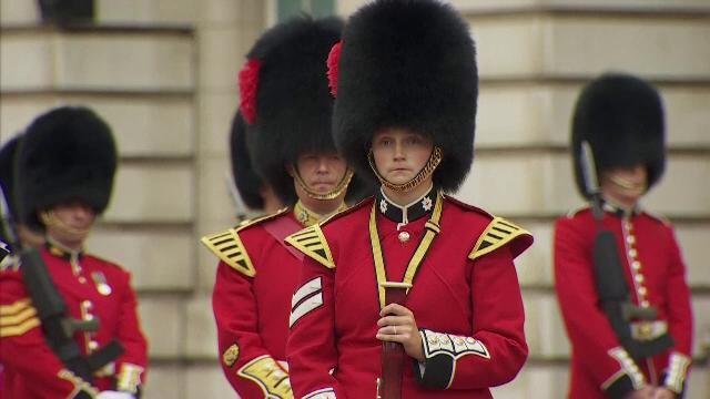 Palatul Buckingham a reluat ceremonia de schimbare a gărzii, după o întrerupere de 18 luni