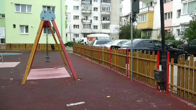 Un copil din Bistriţa, dus de urgenţă la spital după ce s-a electrocutat într-un parc de joacă din oraş