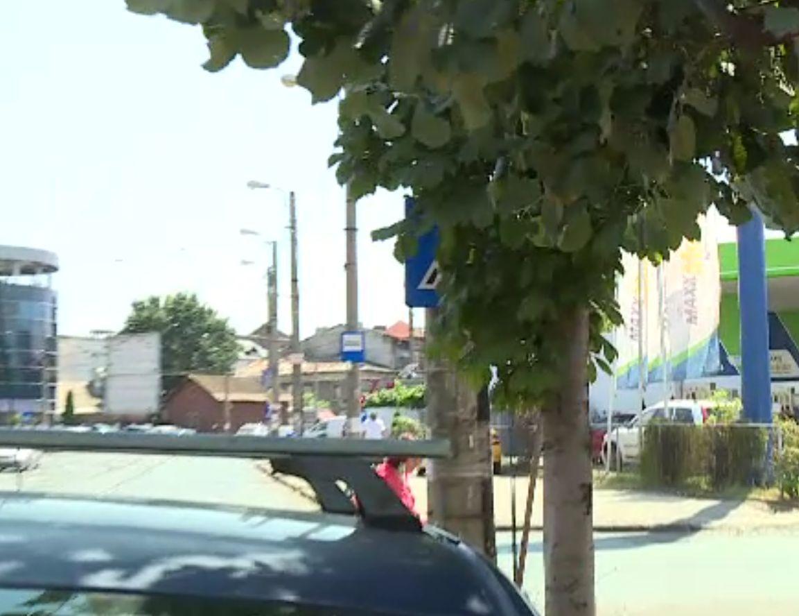 Lipsa indicatoarelor rutiere contribuie la producerea accidentelor. Numai în București lipsesc mii de semne de circulație
