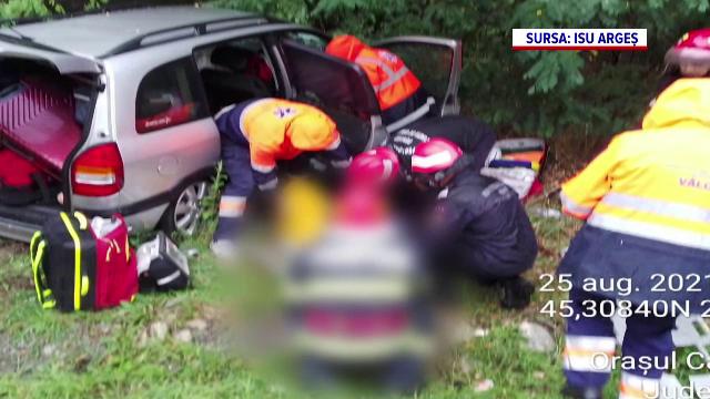 Accidente grave în Vâlcea și Argeș. O femeie și-a pierdut viața după ce a fost lovită de un buldoexcavator