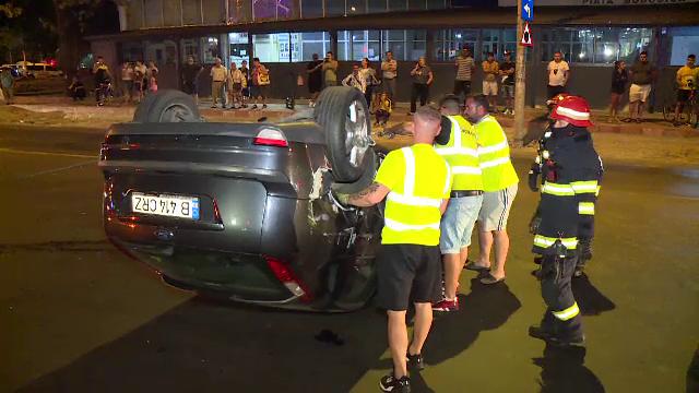 S-a ales cu mașina distrusă după ce un șofer i-a tăiat calea, în București. VIDEO