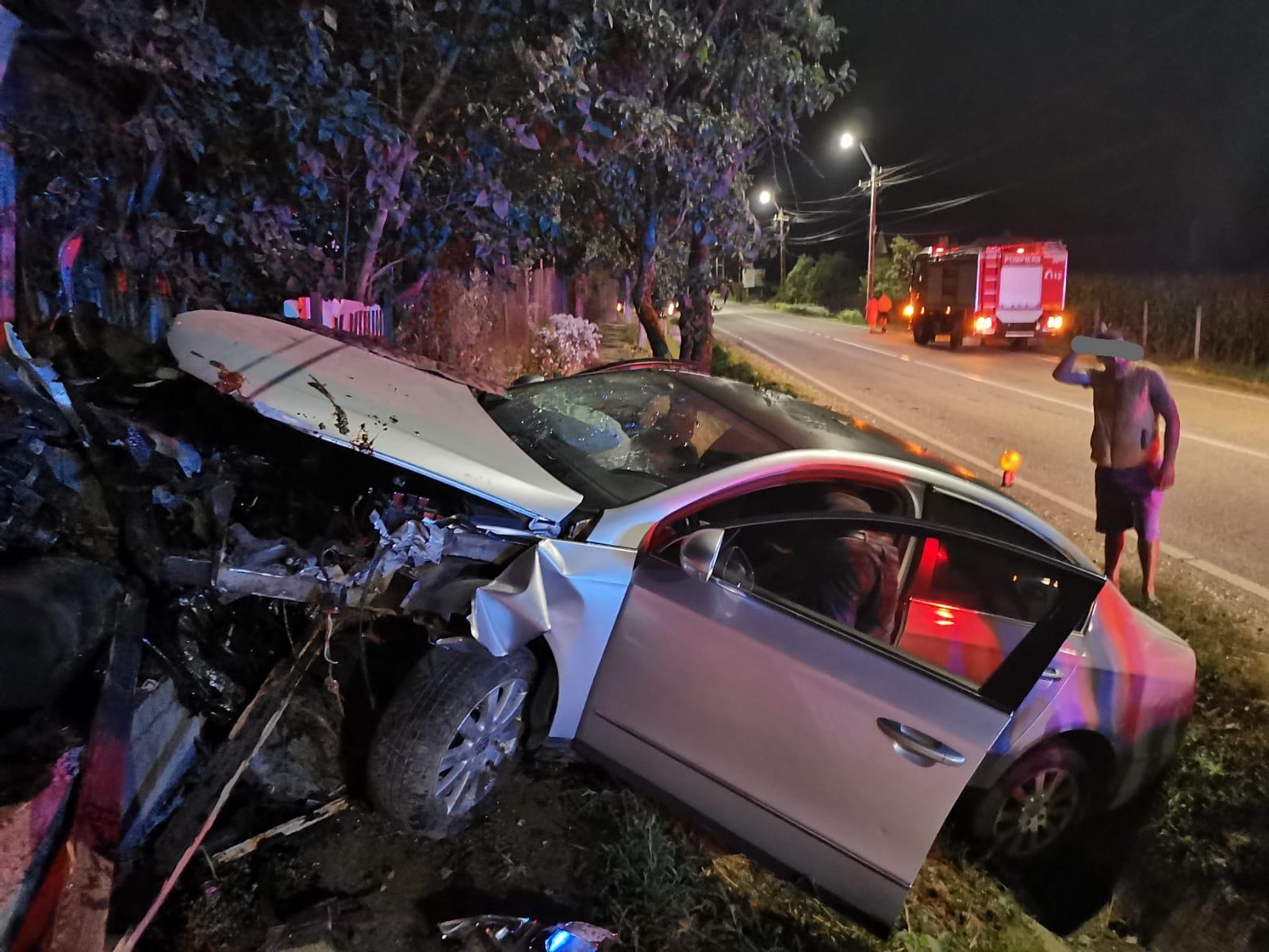 Doi şoferi, ambii cu alcoolemie de peste 0,7 la mie, implicaţi într-un accident pe DN 15A