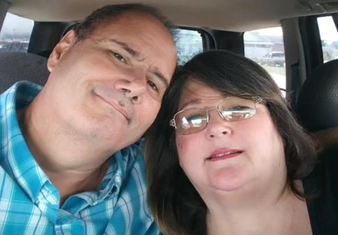 O femeie internată din cauza COVID-19 și-a găsit soțul mort din cauza virusului când s-a întors acasă
