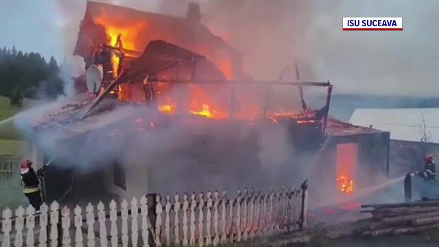 O bătrână a murit carbonizată după ce casa i-a fost cuprinsă de flăcări
