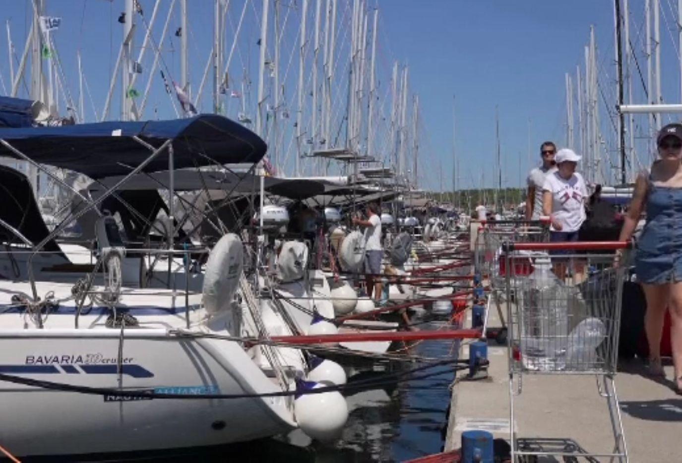 Turiștii au luat cu asalt yacht-urile din Croația, pentru vacanțe în larg. Bărcile sunt rezervate până în octombrie