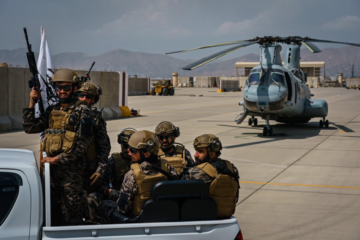 Aeronave militare și sute de mii de arme au ajuns pe mâinile talibanilor după retragerea militarilor americani
