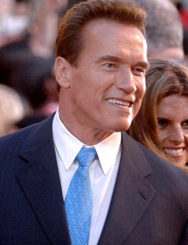 Arnold Schwarzenegger il ia la misto pe Mel Gibson! VIDEO