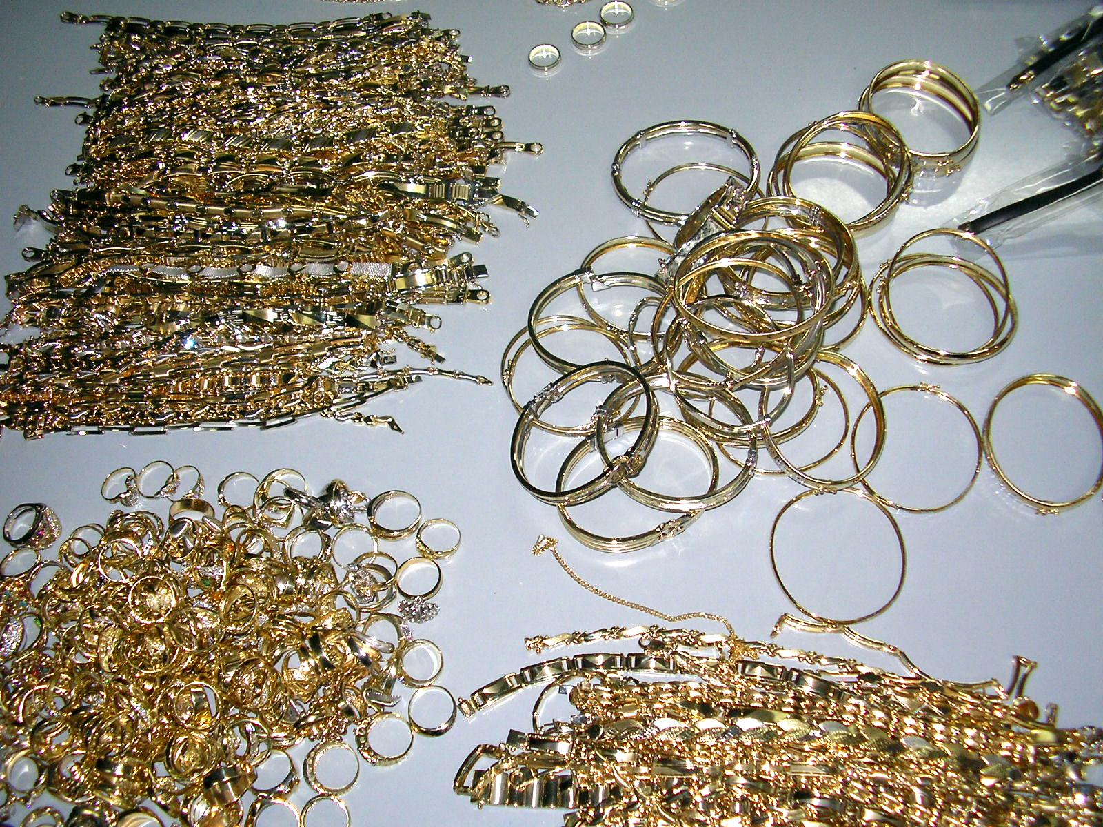 Jaf la un magazin de bijuterii din Galati