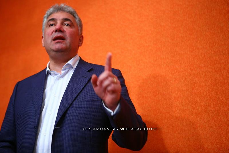 Adriean Videanu a fost desemnat presedinte interimar al PDL Bucuresti