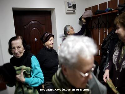 Pensionarii cu venit sub 740 lei nu platesc contributia la sanatate in 2011