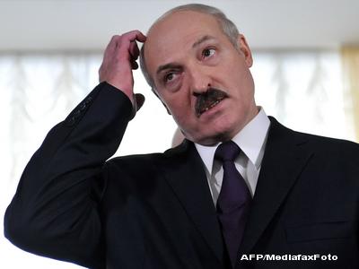 Sute de tineri, arestati in Belarus. Protestau pasnic pentru democratie