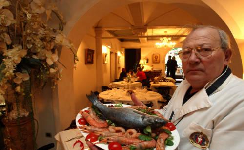 Tot mai multi romani apeleaza la catering pentru masa de Revelion