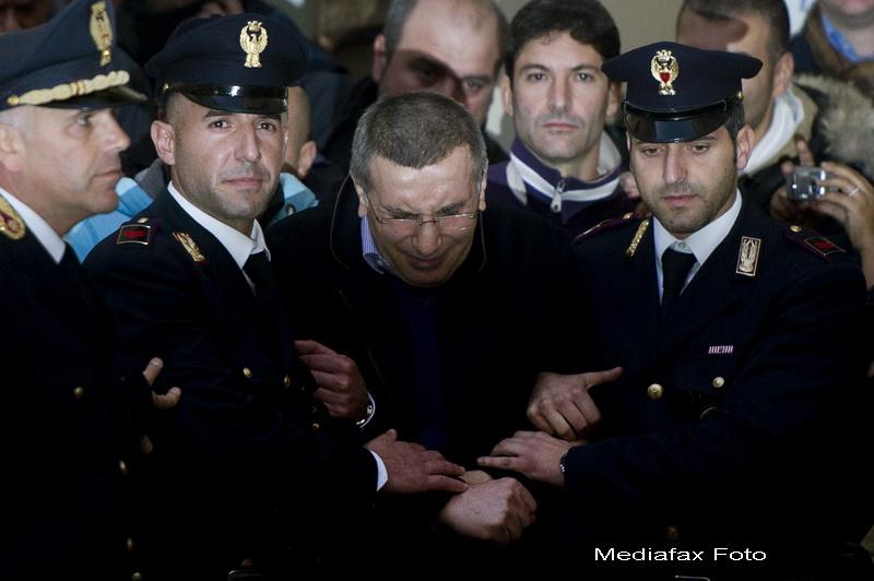 150 de politisti au luat cu asalt un buncar din Napoli. Capul mafiei Camorra, arestat dupa 15 ani