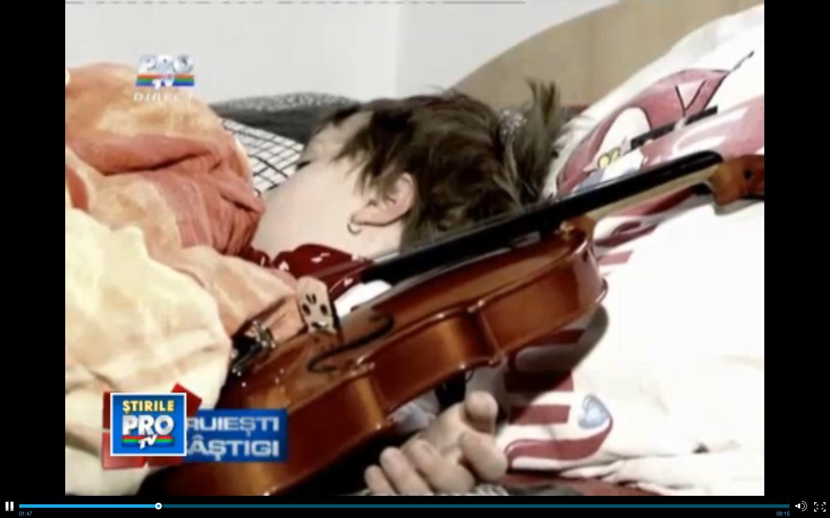 Daruiesti si castigi: trei copii din Iasi, grav bolnavi, isi doresc sa cante la pian si la vioara