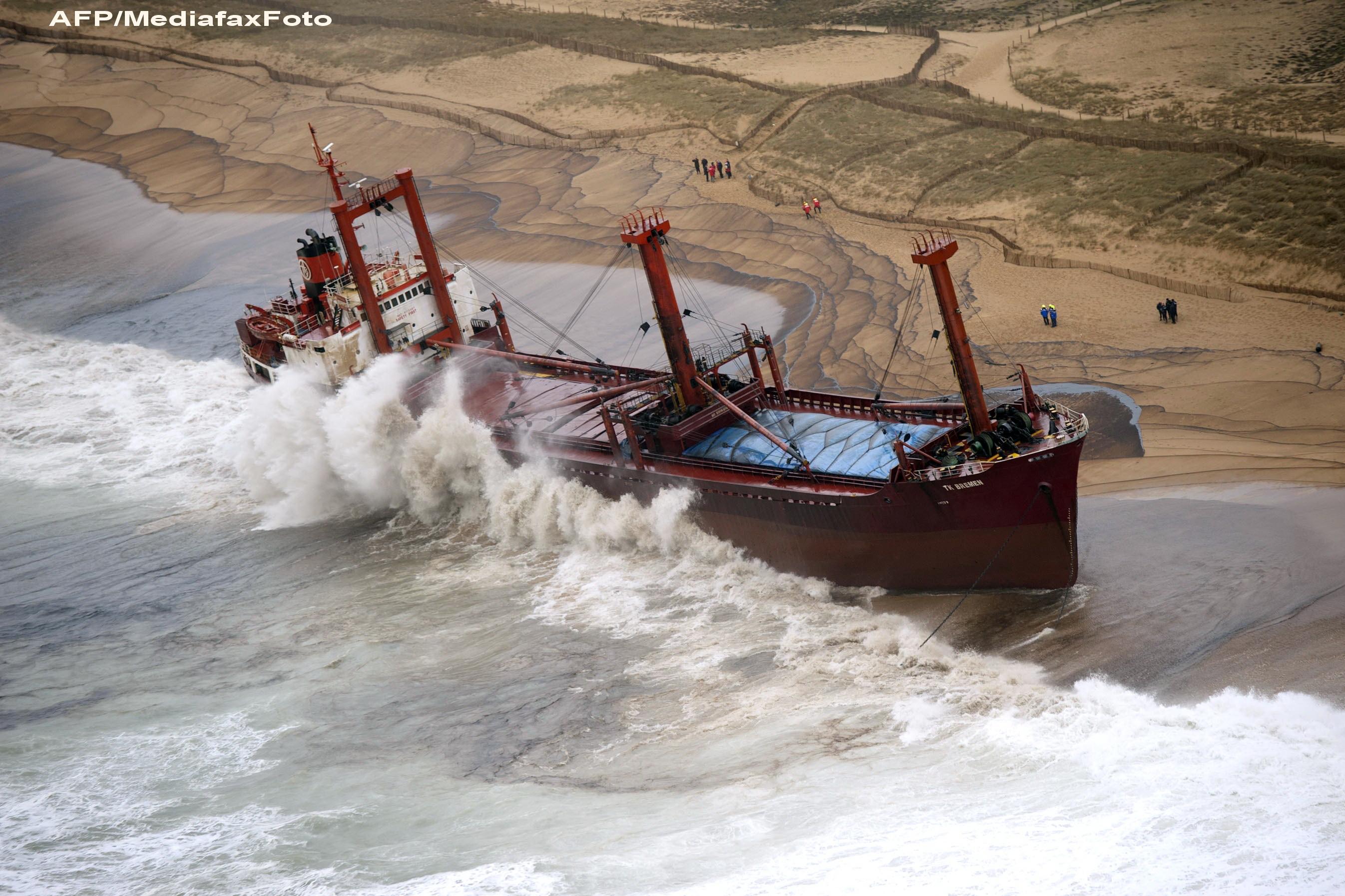 VIDEO. Nordul Europei tine cu greu piept unei furtuni cum nu s-a mai vazut de 30 de ani: Dagmar