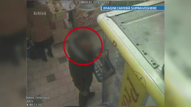 Un politist a vrut sa se sinucida dupa ce a fost prins furand din magazin.