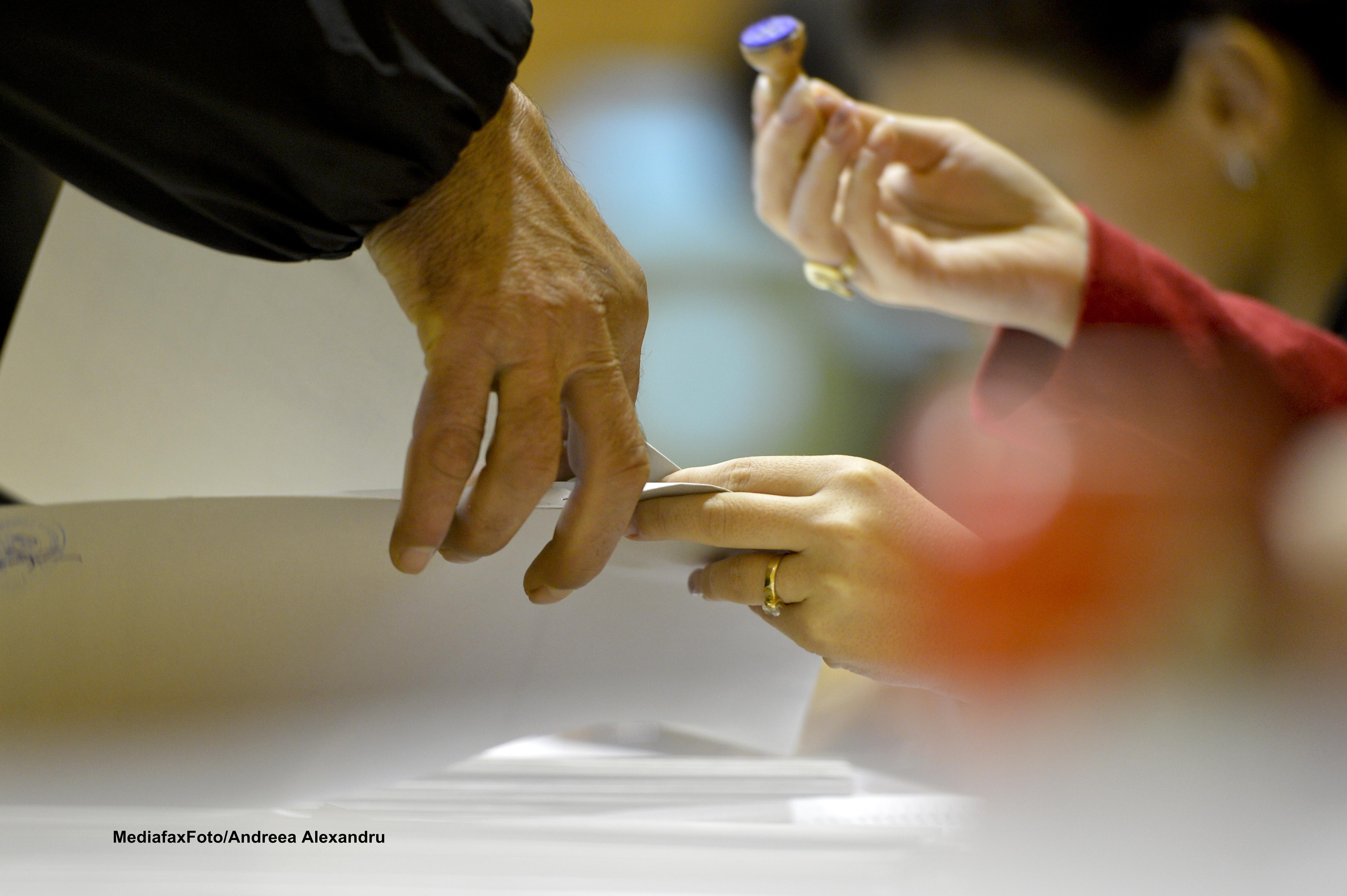 ALEGERI 2014. Ponta: Am decis ca euroalegerile sa fie pe 25 mai, iar prezidentialele pe 2 si 16 noiembrie