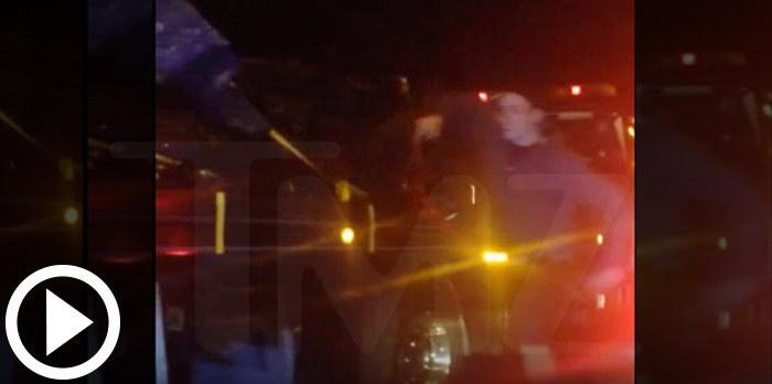Momentul in care hotii fura bucati din masina Porsche in care a murit Paul Walker. VIDEO