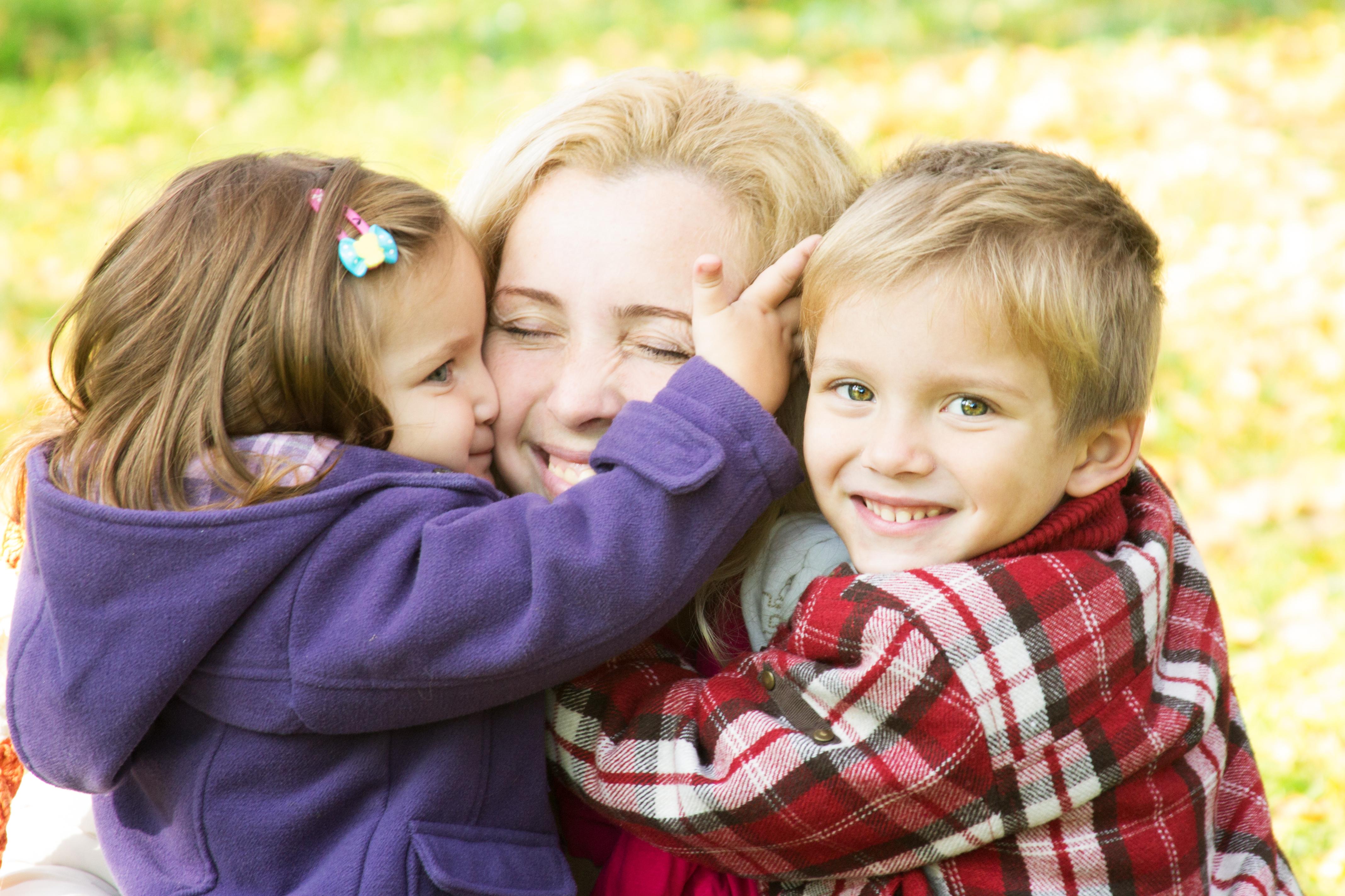 Copiii mai mici de 3 ani trebuie sa fie ingrijiti de asistenti maternali. UNICEF cere Romaniei sa schimbe legea