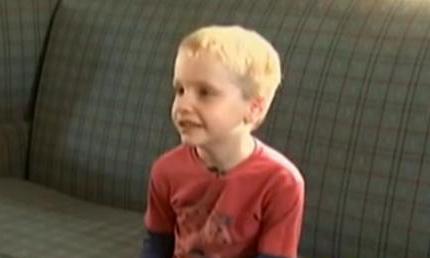 Un baietel de 6 ani a fost suspendat de la scoala pentru