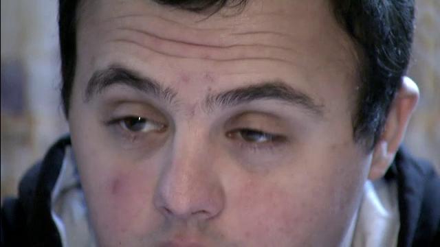 Cazul revoltator al lui Ionut, tanarul de 22 ani cu sindromul Down care ia UN LEU pensie de la stat