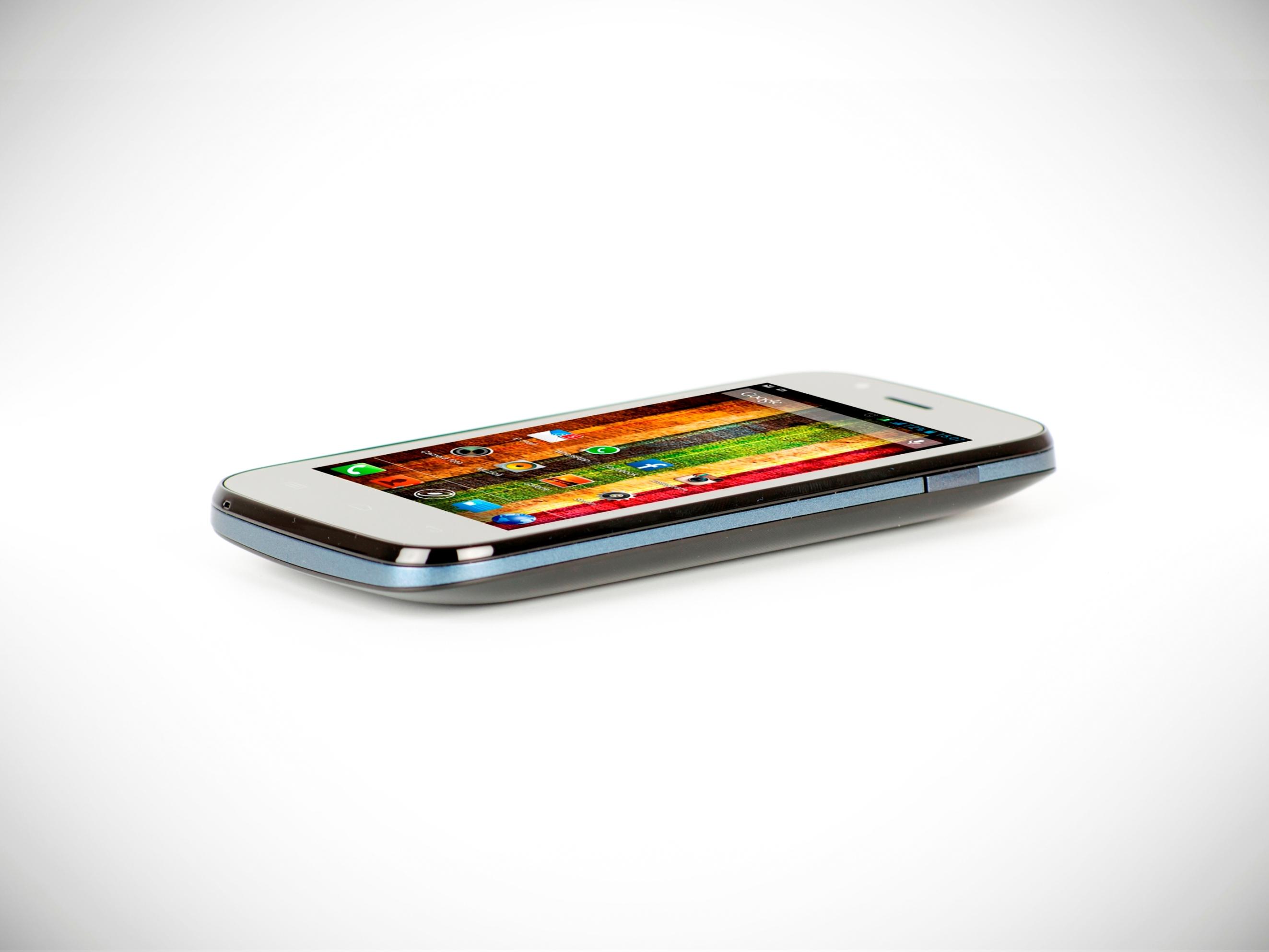 E-Boda lanseaza smartphone-urile Raindbow V40 si Sunny V35 pentru utilizatorii incepatori